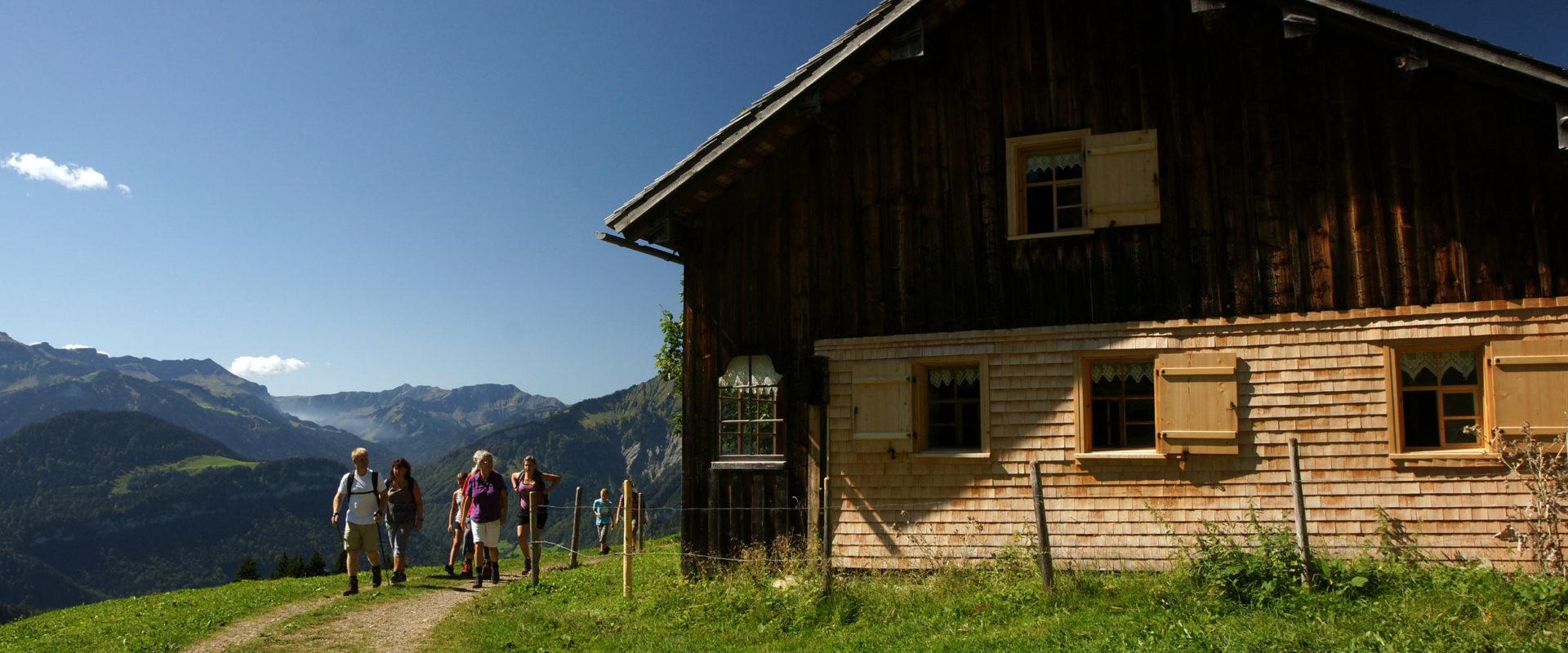 Wanderer Sonderdach © Ludwig Berchtold / Bregenzerwald Tourismus