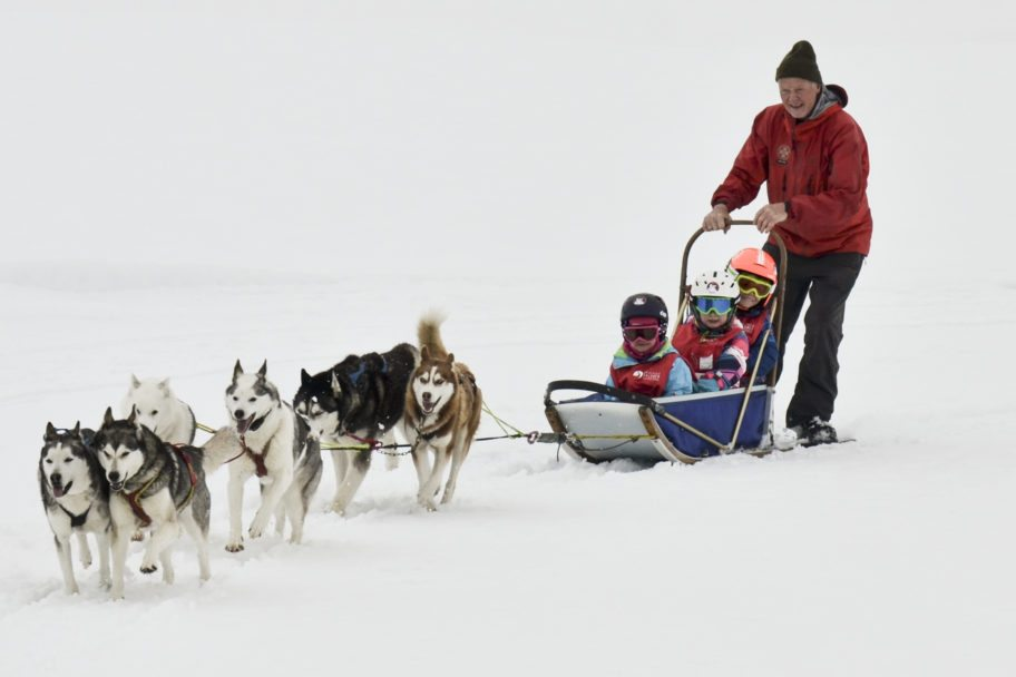 Skischule Salober-Schröcken-Kinderschnee_Programm Huskeyschlitten