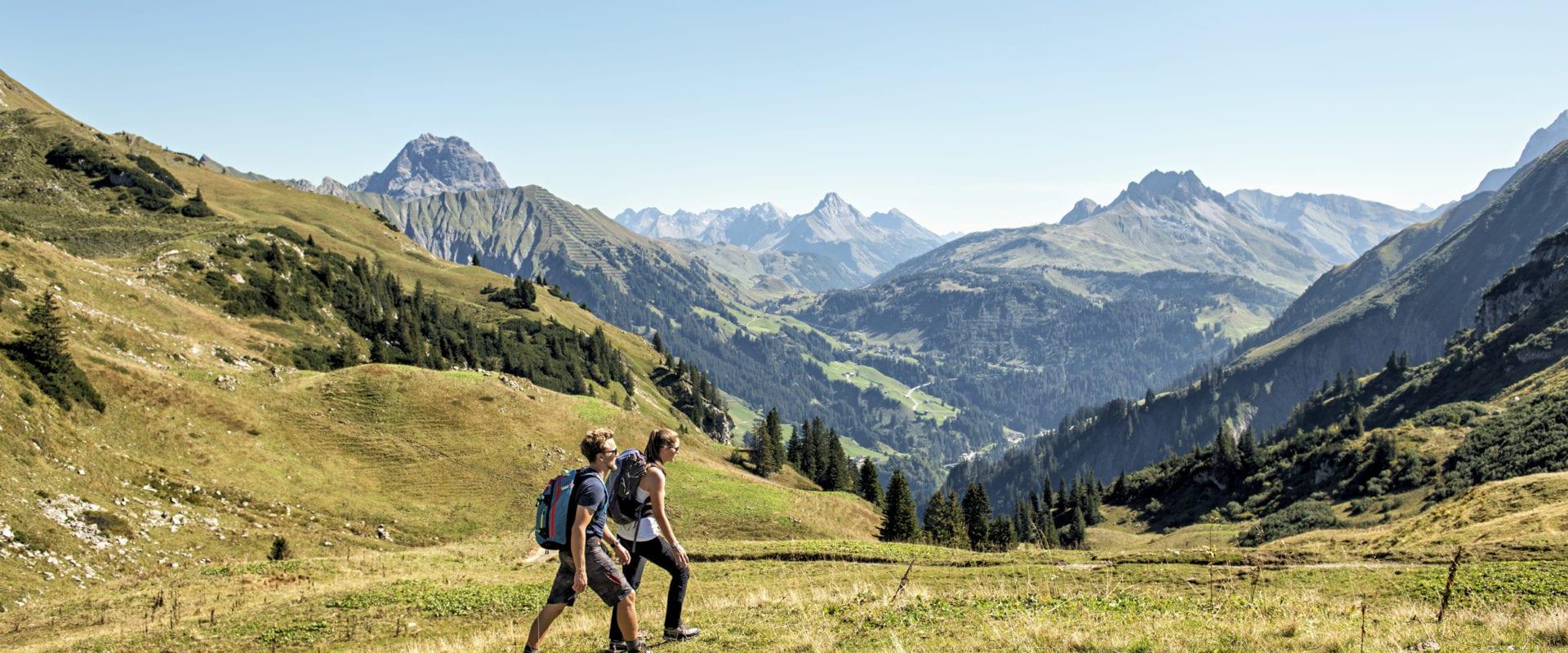 Alpine Hüttenwanderungen