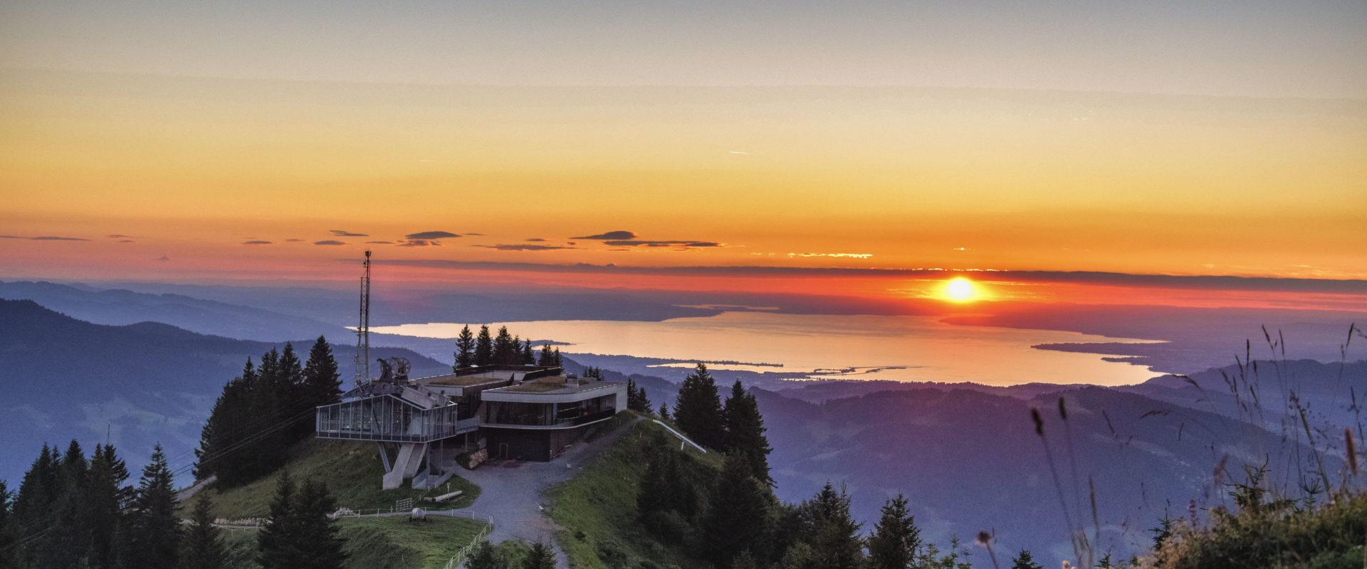 Bergstation Baumgarten Seilbahn Bezau Sonnenuntergang Sommer © Michael Meusburger undefined