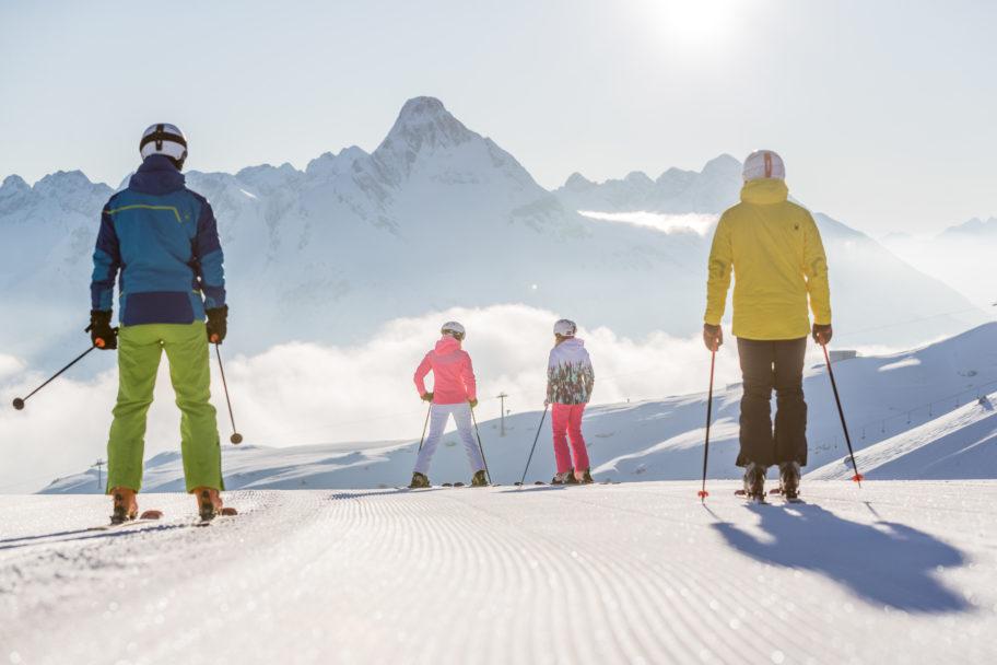 Skifahren in Warth-Schröcken © Hansi Heckmair - Warth-Schröcken Tourismus